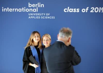 Absolventin der Berlin International University of Applied Sciences