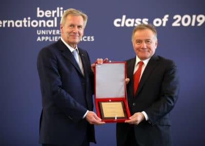Bundespräsident a.D. Christian Wulff sowie der Gründer des internationalen Hochschulnetzwerk BAU Global, Herr Enver Yücel