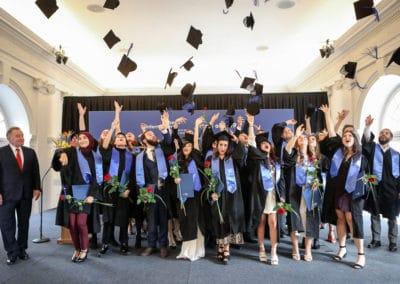 Absolventinnen der Berlin International University of Applied Sciences