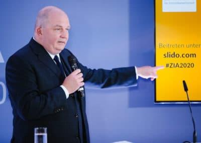 Jörg Thadeusz - Journalist und Moderator beim Tag der Immobilienwirtschaft 2020