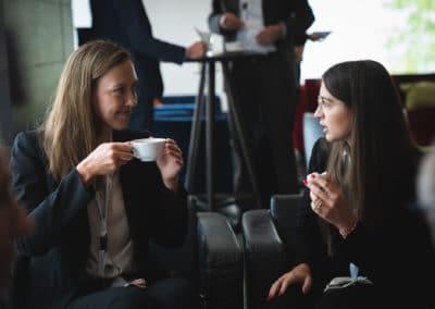 Get Together, 2 Frauen im Gespräch